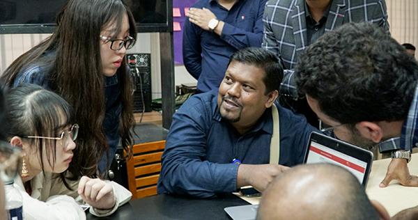 成员与A2I创新实验室(Innovation Lab)成员交流