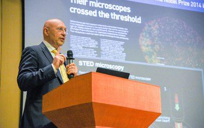 Nobel laureate Stefan Walter Hell visits JI